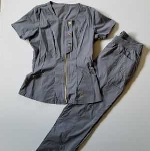 Jaanuu scrubs sz XS Top sz S bottom